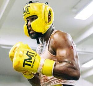Bet on Floyd Mayweather Vs Logan Paul Boxing Fight